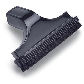 Nozzle Including Brush
