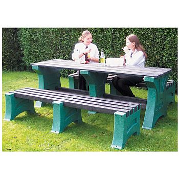 Outdoor Premier Table £540 -